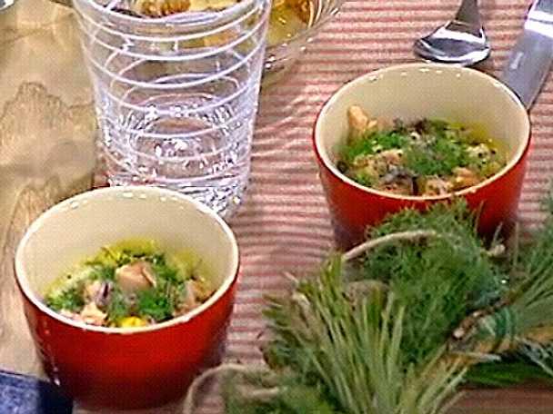 Äggcocotte med grönkål och röding