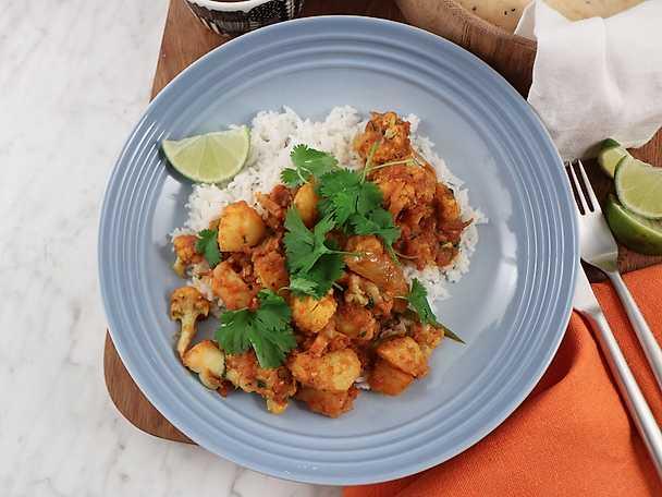 Aloo gobi - indisk gryta med blomkål och potatis