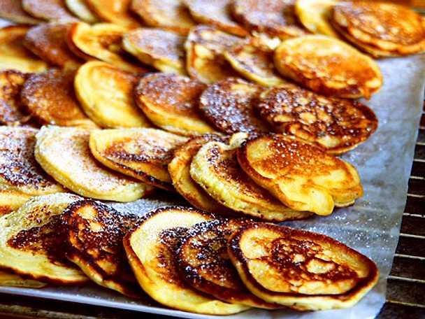 Amerikanska pannkakor med kolasås