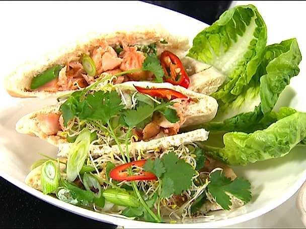 Amirs asiatiska tacos med lax eller fläskkarré