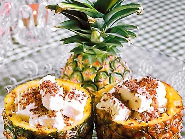 Ananasdessert med glass