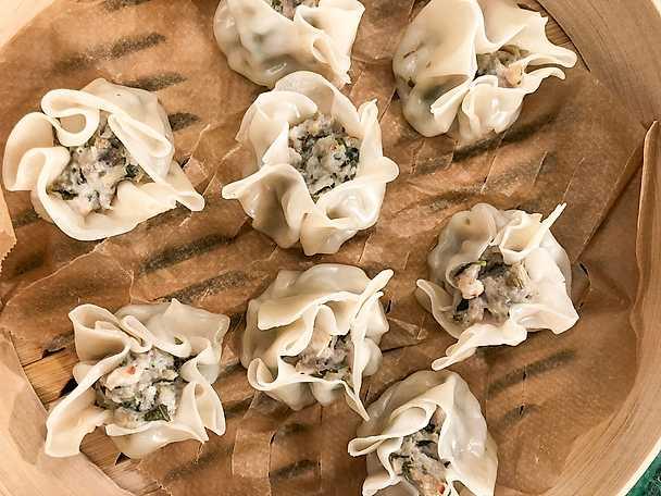 Ångade dumplings med thaikyckling