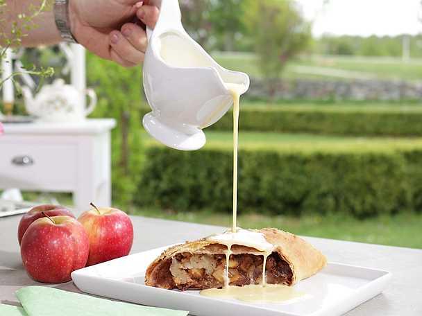 Apfelstrudel med hemgjord vaniljsås