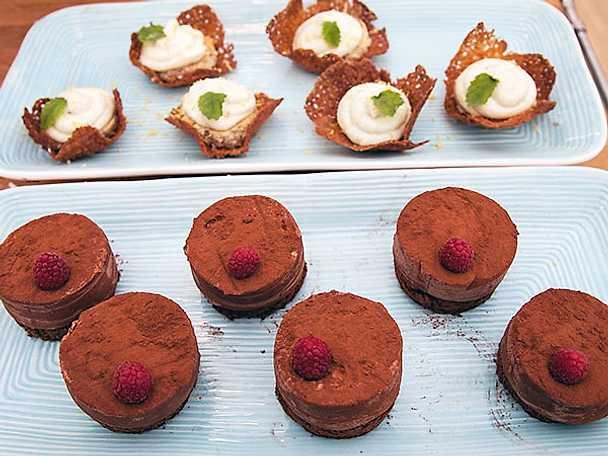 Äppelbakelse och choklad- och lakritsbakelse