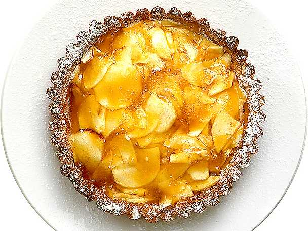 Äppelflan med aprikosgelé