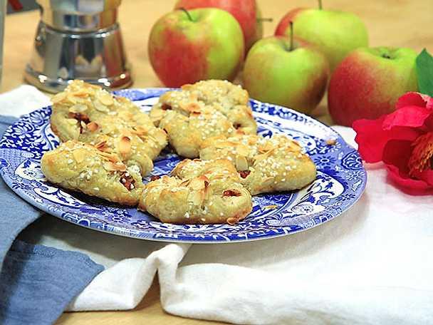 Äppelknyten på hemgjord smördeg