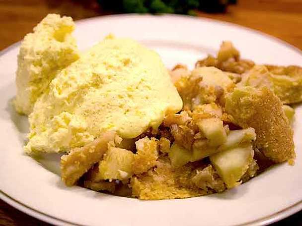 Äppelpaj med vaniljsås