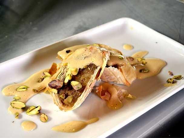 Äppelstrudel med zabaione och nötter