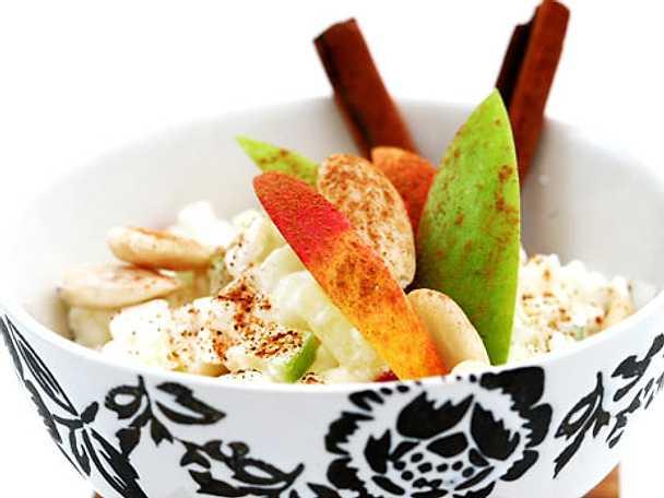 Äpple med keso, mandel och kanel