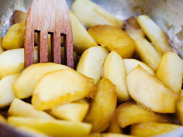Äpplen i caramel och calvados