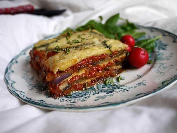 Aubergine- och zucchinilasagne
