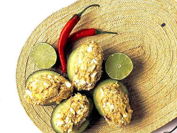 Avokado med böcklingröra