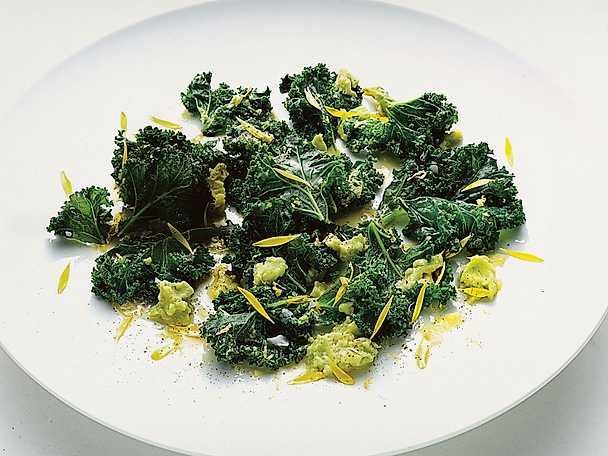 Avokado- och grönkålssallad