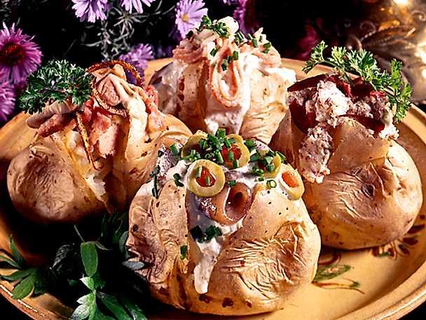 Bakad potatis med fyra fyllningar