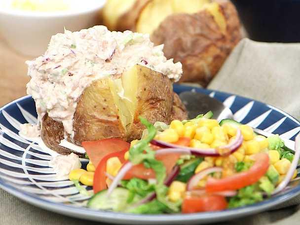 Bakad potatis med krämig tonfiskröra