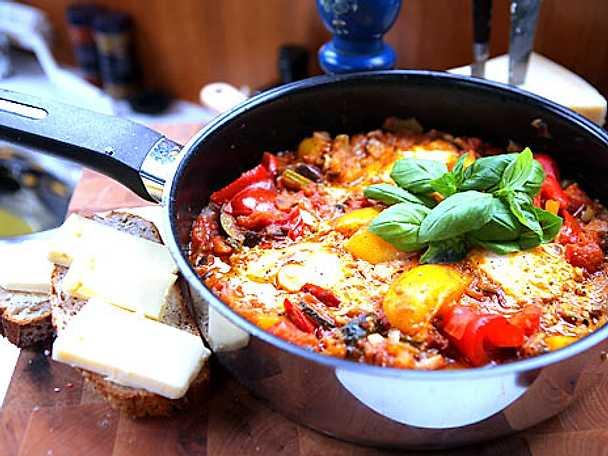Bakade Ägg med Ratatouille