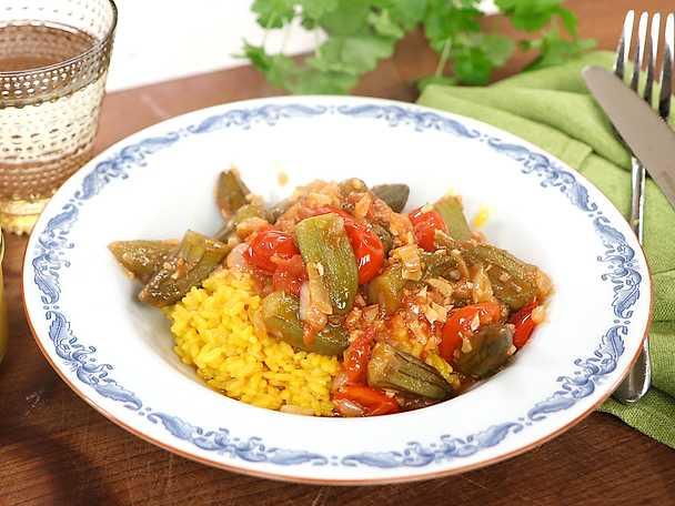 Bamya - vegetarisk tomatgryta med okra