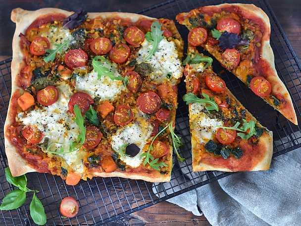 Bästa pizzan ever med sötpotatis och burrata