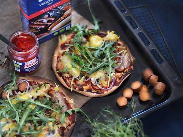 """Blixtsnabb vegopizza med """"ost & korv"""" Kung Markatta"""