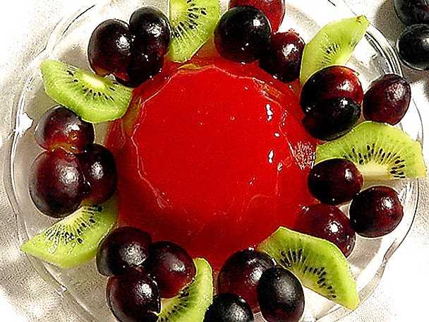 Blodapelsingelé med frukter