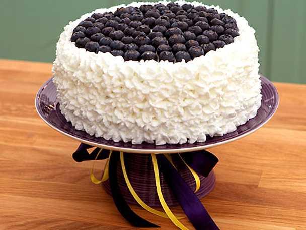 Blueberry lemon meringue cake