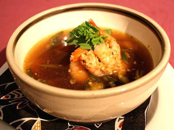 Bollacks snabba soppa med räkor