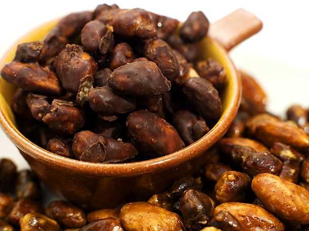 Brända mandlar och pistagenötter