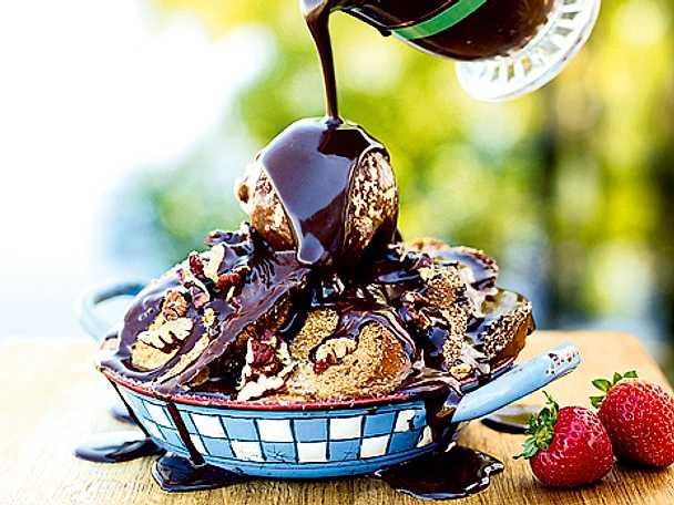 Brödpudding med choklad- och ölsås