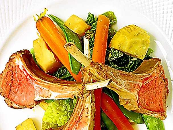Buljongkokt lamm med grönsaker