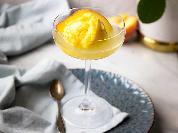 Busenkel dessert med sorbet och limoncello