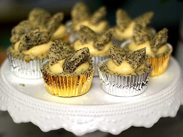 Butterfly lemon cupcakes