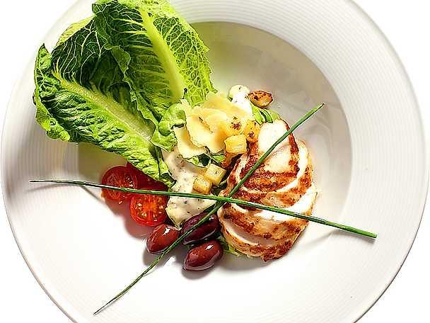 Caesarsallad med kyckling och potatiskrutonger