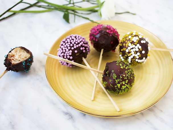 Cake pops med sockerkaka och choklad ny
