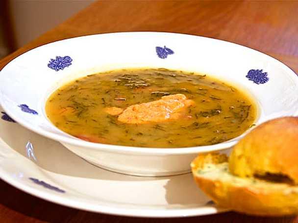Caldo Verde soppa med kryddiga korvar