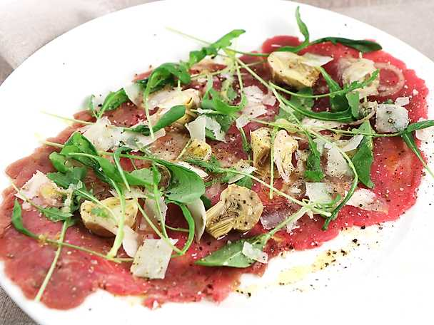 Carpaccio med kronärtskocka och parmesan