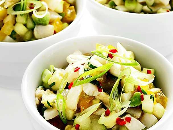 Ceviche på pilgrimsmusslor och hälleflundra