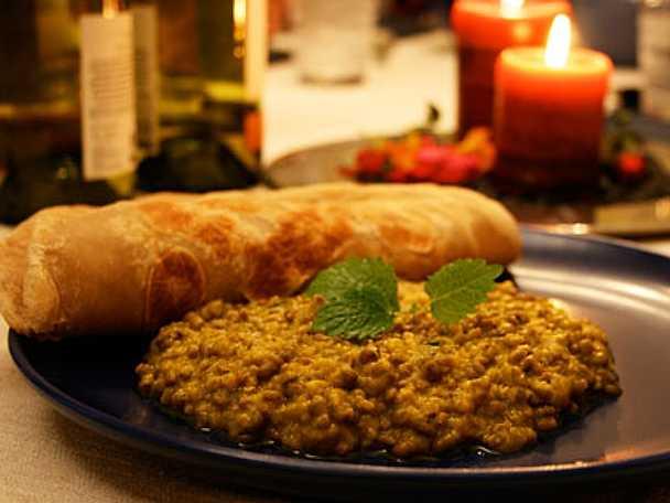 Chapati med gryta på mungbönor
