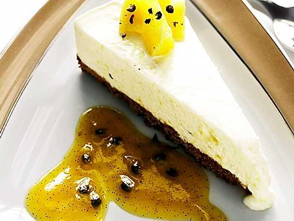 Cheesecake med ananas och passionsfrukt