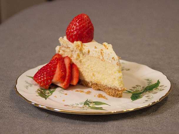 Cheesecake med färska jordgubbar