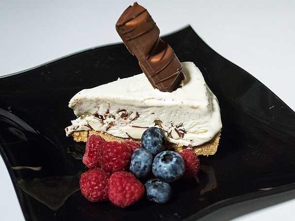Cheesecake med kondenserad mjölk och kinder maxi