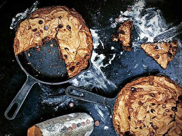 Chocolate chip cookies i gjutjärn