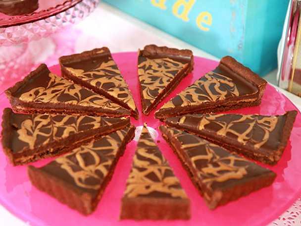 Chocolate peanutbutter tart