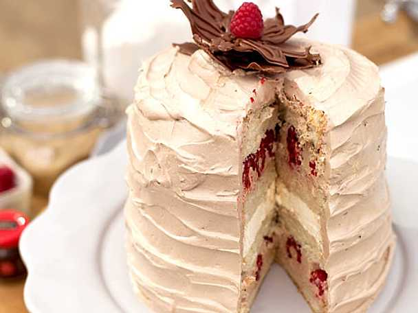 Chocolate vanilla raspberry cake