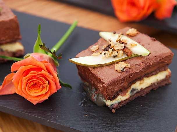 Chokladbakelse med päron och vanilj