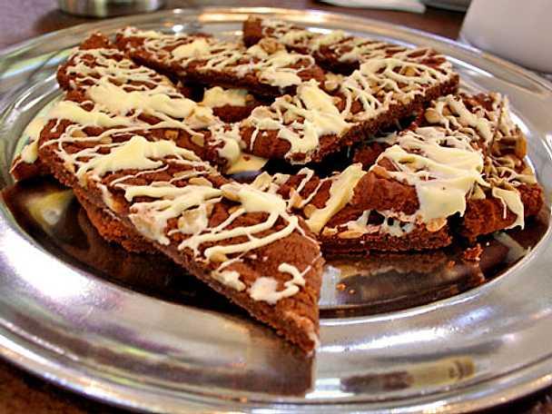 Chokladkakor med vit chokladrippel