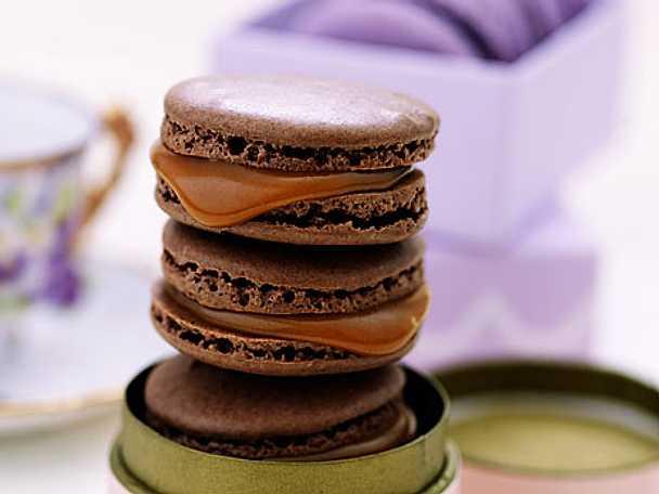 Chokladmacarons med saltkola