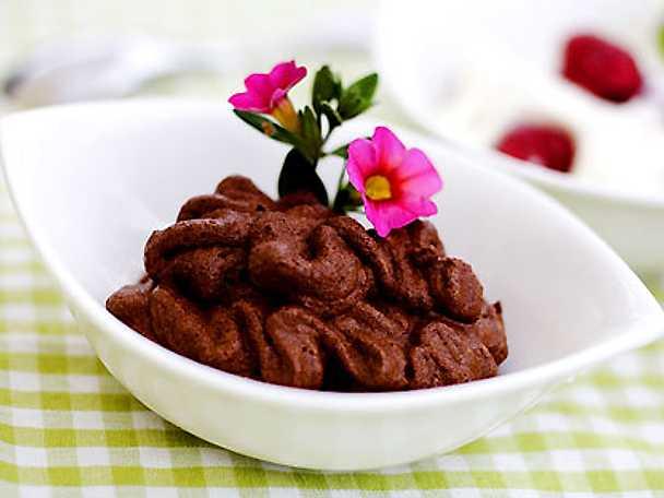 Chokladmousse med hallongrädde