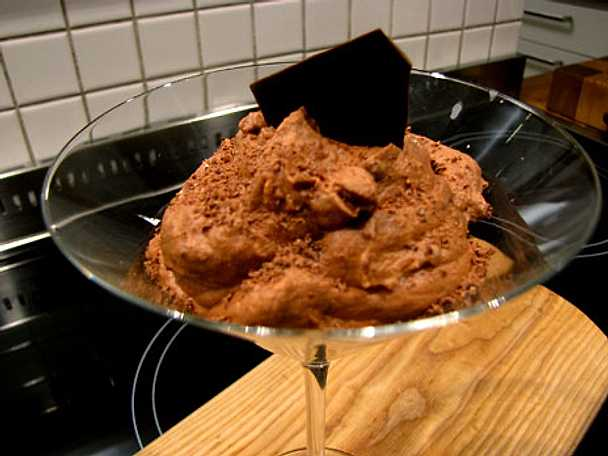 Chokladmousse med Rånäs brännvin