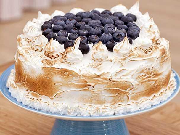 Chokladtårta med maräng och blåbär