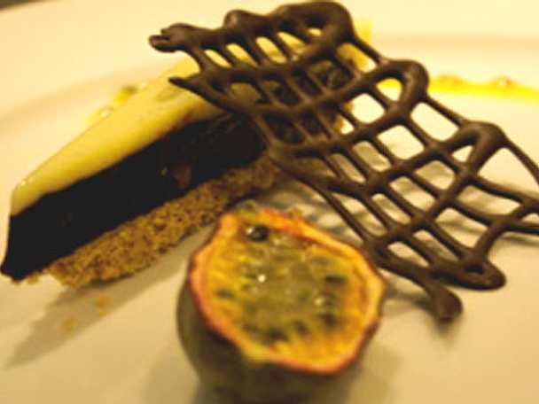 Chokladtryffelpaj med passionsfrukt
